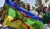 Cezayir'de Amazig bayrağı açan göstericilere hapis cezası