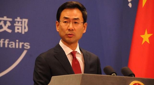 """Çin, ABD ve İngiltereyi Hong Kong konusunda """"iki yüzlü"""" olmakla suçladı"""