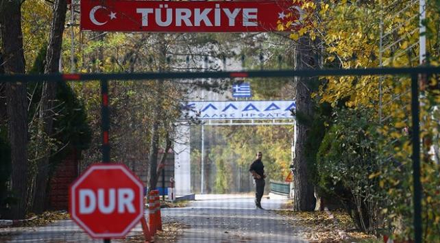Yunanistanın almadığı teröristin tampon alanda bekleyişi sürüyor