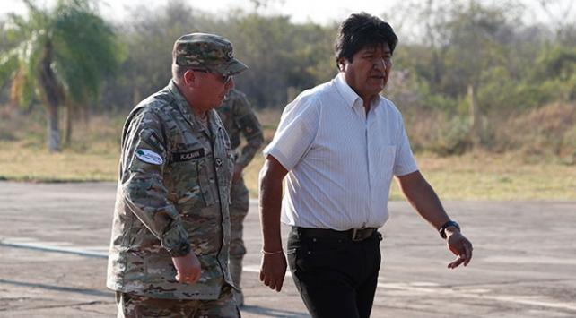 Bolivyada Moralesi istifaya çağıran general görevden alındı