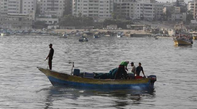 İsrail, ateşkesin ardından Gazzedeki avlanma yasağını kaldırdı