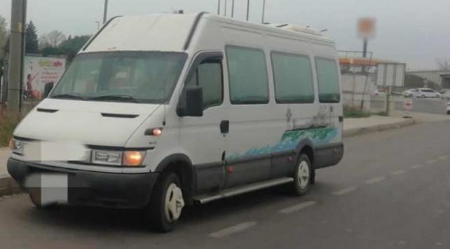 Tek plakayı iki minibüste kullanan kişiye 8 bin 960 lira ceza