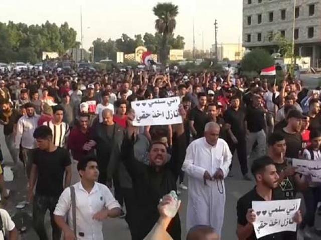 Irak'ta hükümet karşıtı gösterilerde tansiyon her geçen gün artıyor