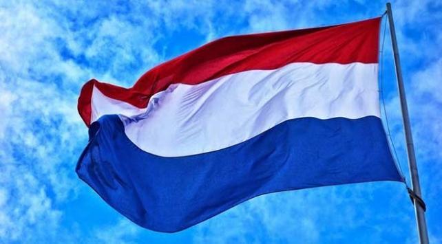Hollandada 3 camiye İslam karşıtı tehdit içerikli zarf gönderildi