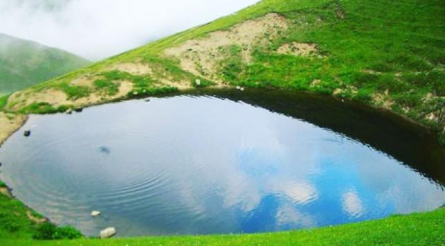 12 bin yıllık Dipsiz Göl taş ve toprakla dolduruldu