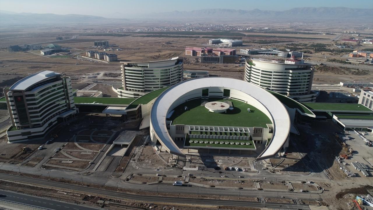 Erzurum Şehir Hastanesinin yüzde 98i tamamlandı
