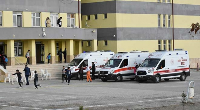 Sivasta 18 kişi lahmacun yedikten sonra hastaneye kaldırıldı