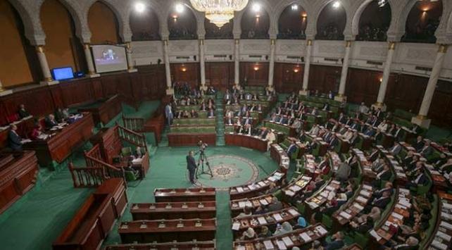 Tunusta hükümeti kurma görevi Nahdanın adayı Cemeliye verildi