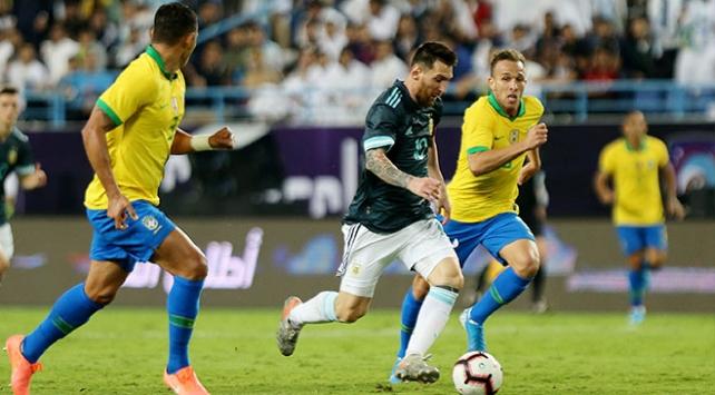Arjantin Messinin tek golüyle Brezilyayı yendi