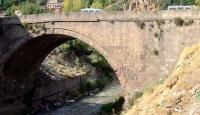 Bitlis'in tarihi köprüleri eski görkemine kavuşuyor