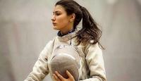 Milli eskrimci Nisanur Erbil'den Dünya Kupası'nda gümüş madalya