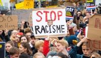 Hollanda'da ırkçılık karşıtları protesto gösterileri düzenledi