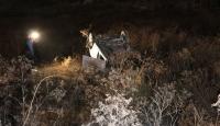 Ankara'da virajı alamayan otomobil boş araziye uçtu: 4 yaralı