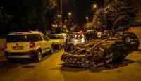İstanbul'da polisten kaçan otomobil devrildi: 2 yaralı
