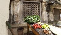 Zanzibar'ın, ev sahibinin hikayesini anlatan ahşap kapıları