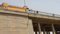 Dicle Köprüsündeki Çatlaklar Korkutuyor