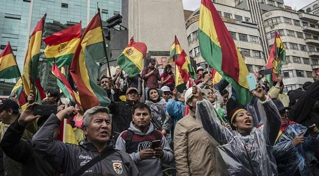 Bolivyada geçici hükümetten tutuklama kararı