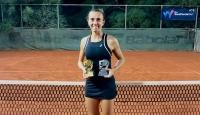 Milli tenisçi İpek Öz, Antalya'da şampiyon oldu