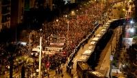 Yunanistan'da göstericiler ABD'nin Atina Büyükelçiliğine yürüdüler