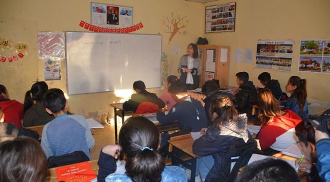 Mardin ve Şırnakta 44 bin 417 öğrenciye telafi eğitimi başladı