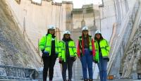 Türkiye'nin en yüksek baraj inşaatına kadın eli değiyor