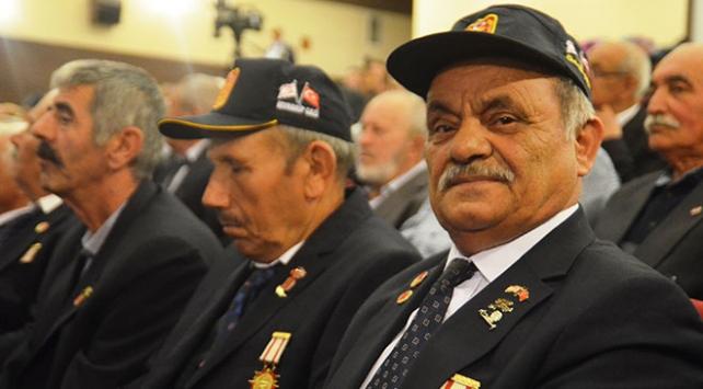 Kütahyada 170 Kıbrıs gazisine madalya ve beratları takdim edildi