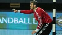 Asker selamı veren AEK oyuncusu Özmusul'un sözleşmesi feshedildi