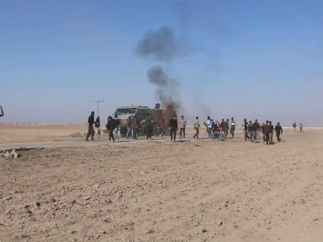 PKK/YPG yandaşları Rus askeri aracına molotofkokteyli ile saldırdı