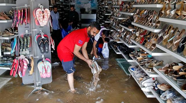 Hindistanda muson yağmurlarında yaklaşık 2 bin 400 kişi öldü