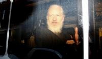 """İsveç mahkemesi, Wikileaks kurucusu Assange'ın """"tecavüz"""" davasını düşürdü"""