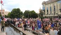 Gürcistan'da erken seçim gösterileri sürüyor