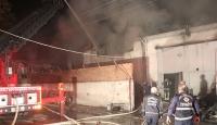 Denizli'de tamirhanede çıkan yangında 13 araç zarar gördü