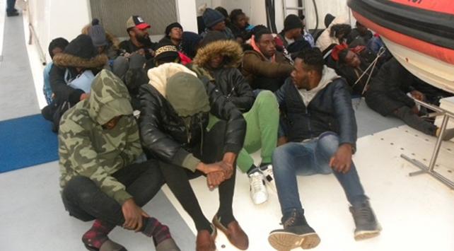 İzmirde 38 düzensiz göçmen yakalandı