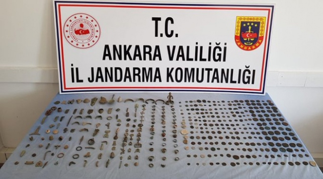 Ankarada 430 parça tarihi eser ele geçirildi