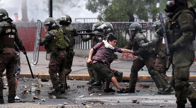 Şilide güvenlik güçlerine protestolar sırasında havalı silah kısıtlaması