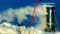 SpaceX'in roket prototipi basınç testlerinde patladı