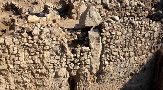Gökçeadada 8 bin yıllık anıtsal yapı bulundu