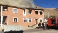 Bayburt'ta evde yangın: 3 ölü