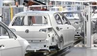 """Alman otomobil üreticilerine 100 milyon euroluk """"çelik karteli"""" cezası"""