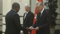 Burundi Büyükelçisi Bikebako Cumhurbaşkanı Erdoğan'a güven mektubu sundu