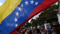 Venezuela'da protestocu öğrenciler askeri üsse yürümeye çalıştı