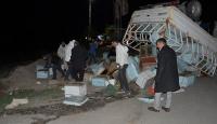 Şanlıurfa'da arı kovanı yüklü kamyonetle tır çarpıştı: 1 yaralı