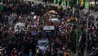 Bolivya'da cenazeleriyle yürümek isteyen protestoculara polis müdahalesi