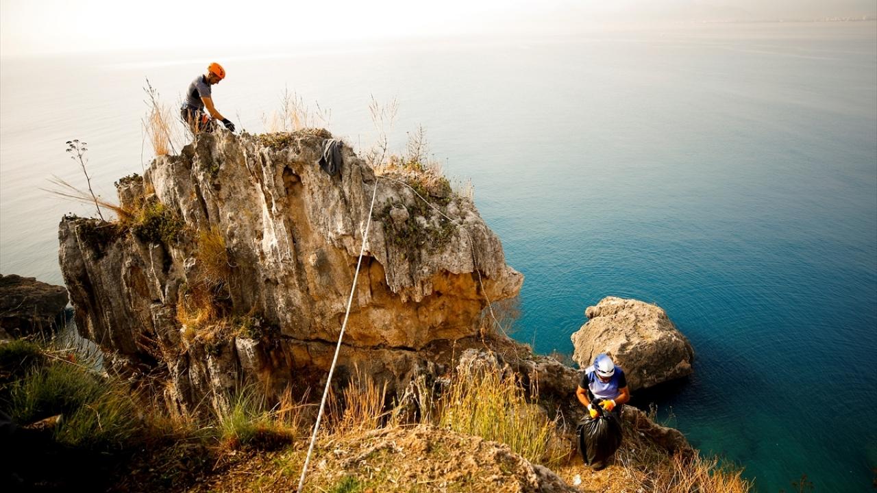 Antalyada komando eğitimi gibi çevre temizliği