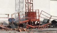 Yük asansörü 40 metreden zemine düştü: 1 ölü, 1 yaralı