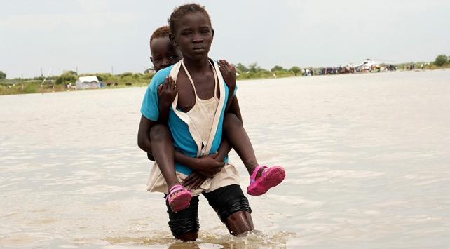 Güney Sudanda sel 70 can aldı