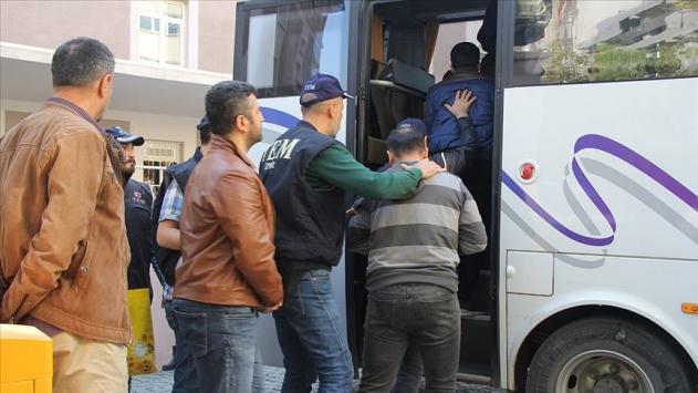 İzmir merkezli 44 ildeki FETÖ soruşturmasında 80 tutuklama