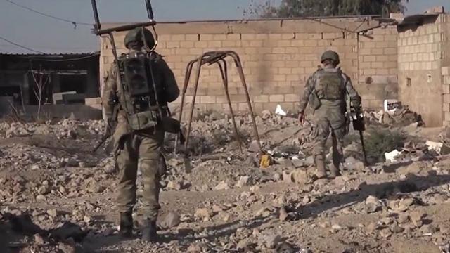 Barış Pınarı Harekatı bölgesinde teröristlerin tuzakladığı patlayıcılar imha ediliyor
