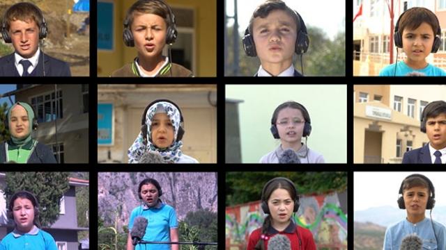 Köy okulunda okuyan öğrencilere verilen eğitimler özel kliple taçlandırıldı