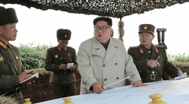 Kuzey Kore lideri Kim Güney Kore sınırı yakınlarında top atışı yaptırdı